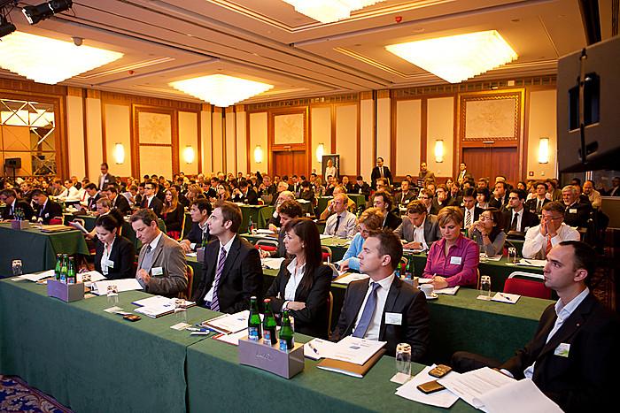 Az érdeklődés az ebédszünet után sem csökkent, a konferencia végig teltházzal zajlott.