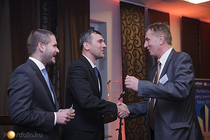 A REsource Property Awards díj Project of the Year kategóriáját 2011-ben az ECE nyerte. A cég képviseletében Gyalay-Korpos Gyula ügyvezető igazgató vette át az elismerést.