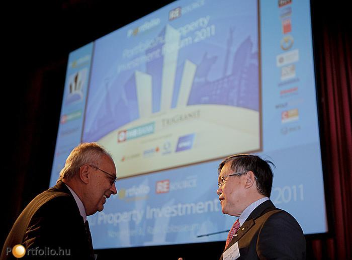 RICS elnökök egymás között: Baross Pál FRICS (elnök, RICS Magyarország) és See Lian Ong FRICS (elnök, RICS)