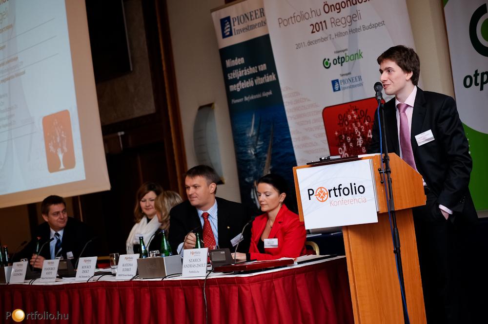 Szabics Zsolt (Portfolio.hu), a rendezvény moderátora bevezetőjében kiemelte, hogy a Portfolio.hu 2005 óta szervez vagyonkezelési témakörben konferenciákat. Ebben az évben a leginkább érdekfeszítőnek ígérkező témakörre fókuszálva az öngondoskodást vettük