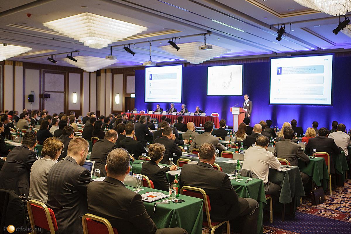 Nagy érdeklődés mellett került megrendezésre a Portfolio.hu Hitelezés Magyarországon Konferencia, 2012. május 17-én.
