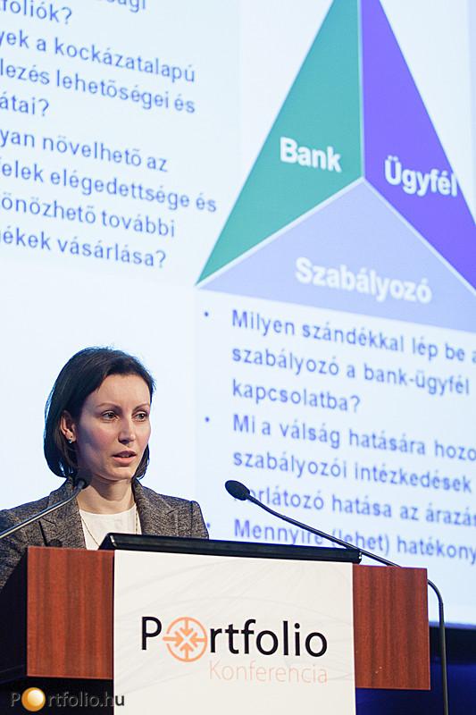 Kalfmann Petra (szenior tanácsadó, Deloitte Zrt.) a lakossági hitelekről tartott előadást.