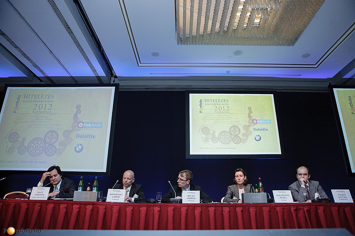 Nagy Márton (igazgató, Magyar Nemzeti Bank), Kosárszky Gábor (treasury vezető, Volksbank), Becsei András (Lakossági Igazgatóságának vezetője, OTP Bank), Kalfmann Petra (szenior tanácsadó, Deloitte) és kollégánk Palkó István.