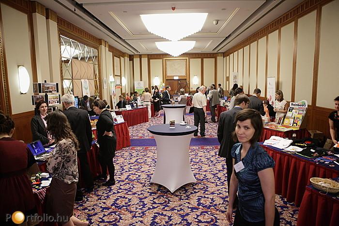 Üzleti és társadalmi haszon - Konferenciánk társrendezvénye, a NESsT Társadalmi Vállalkozások Kiállítása és Vására 12 és 19 óra között várta a látogatókat.