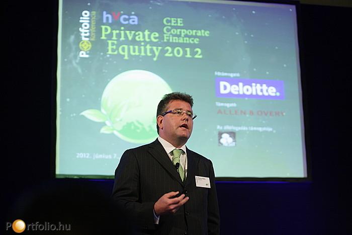 Seres Béla (Partner, Deloitte) az M&A piac alakulásáról tartott előadást.