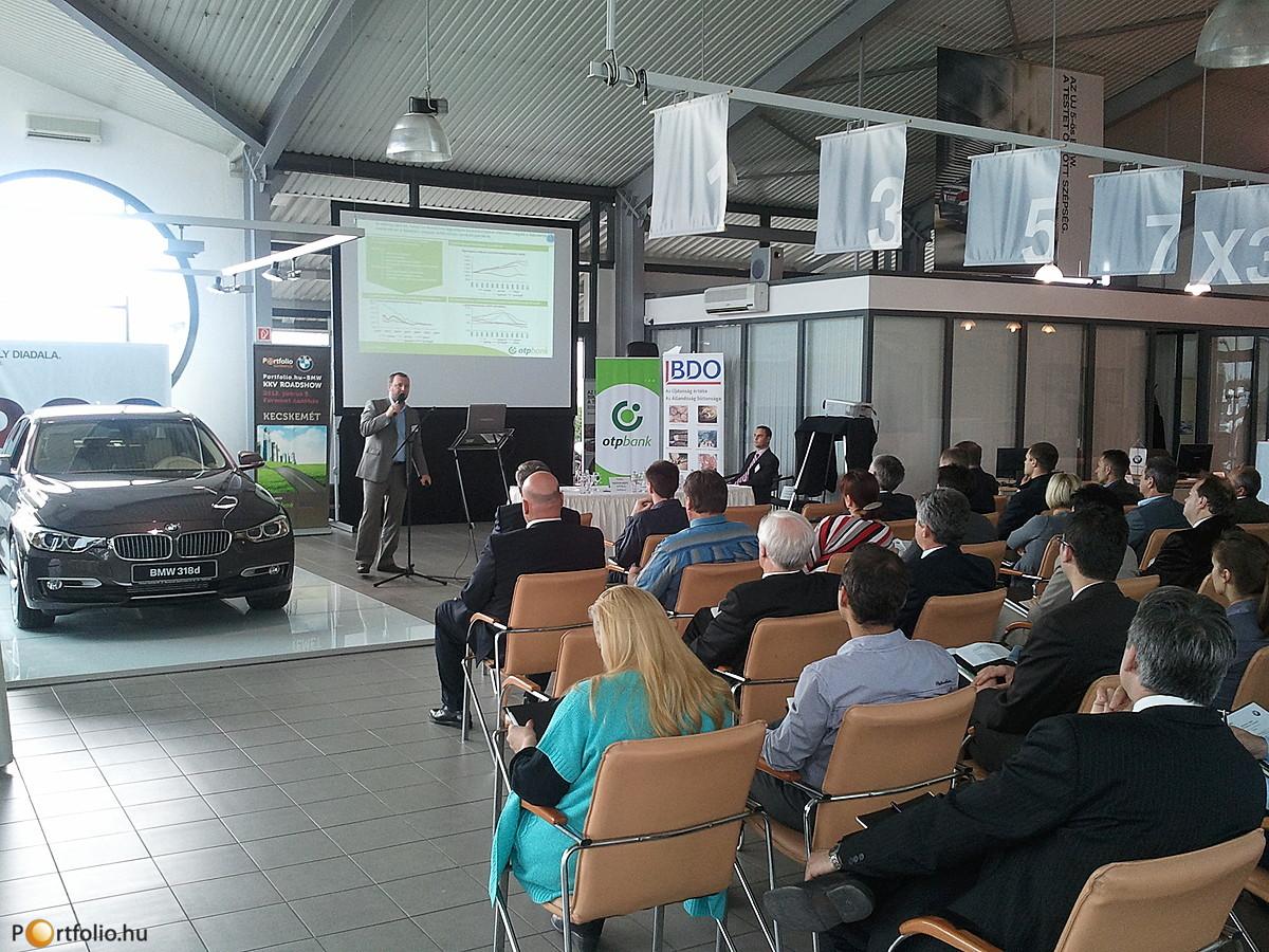 Portfolio.hu - BMW KKV Roadshowra került sor Kecskeméten, ahol az OTP Bank Nyrt., a BDO Magyarország és a Portfolio.hu szakértői tartottak előadásokat.