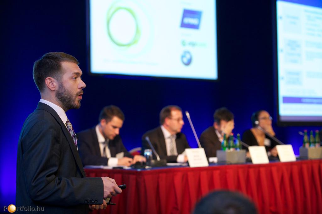 Szepesi Attila (menedzser, KPMG energetikai tanácsadás) a CO2-piac tapasztalatairól beszélt előadásában.