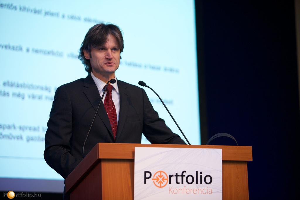 A vitaindító előadást a magyar energiapiac aktuális kihívásairól Ságodi Attila (partner, KPMG energetikai tanácsadás) tartotta.