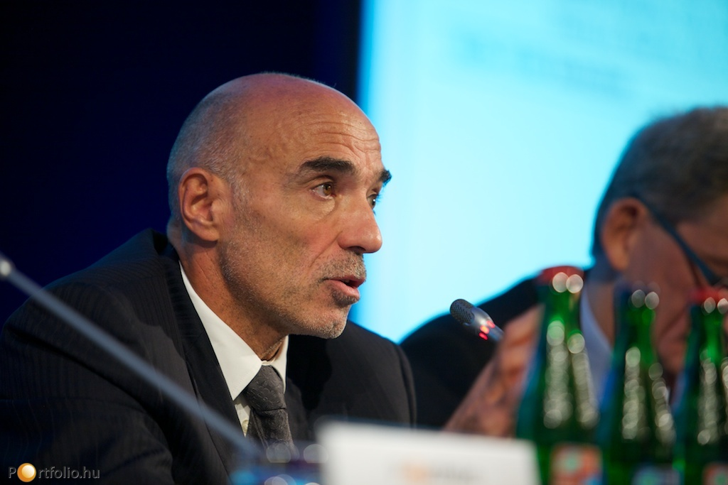 Gérard Bourland (CEO, Dalkia Energia) a vezérigazgatói kerekasztal tagja volt.