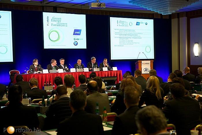 Magyarország energiagazdasága - Vezérigazgatói kerekasztal. A beszélgetés résztvevői: Dr. Eric Depluet (CEO, E.ON Hungária), Gérard Bourland (CEO, Dalkia Energia), Patrick Eeckelers (CEO, GDF Suez Energia Magyarország), Thierry Le Boucher (CEO, EDF Démász