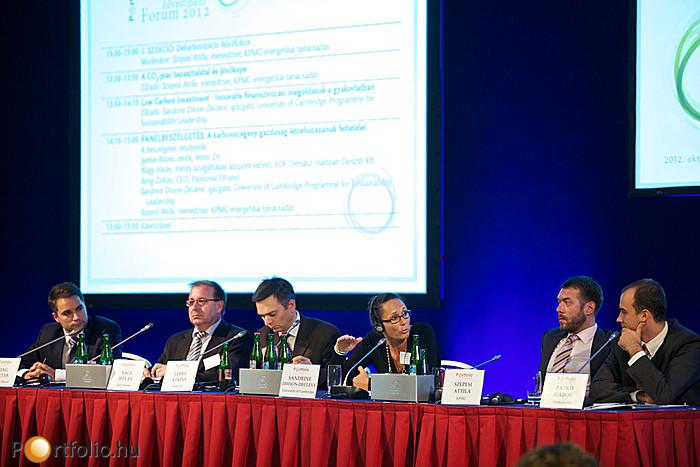 A karbonszegény gazdaság létrehozásának feltételeiről beszélgettek a 3. szekció paneljének résztvevői: Reng Zoltán (CEO, Pannonia Ethanol), Nagy István (mérés szolgáltatási központ vezető, EDF Démász Hálózati Elosztó Kft.), James Atkins (elnök, Vertis Zrt
