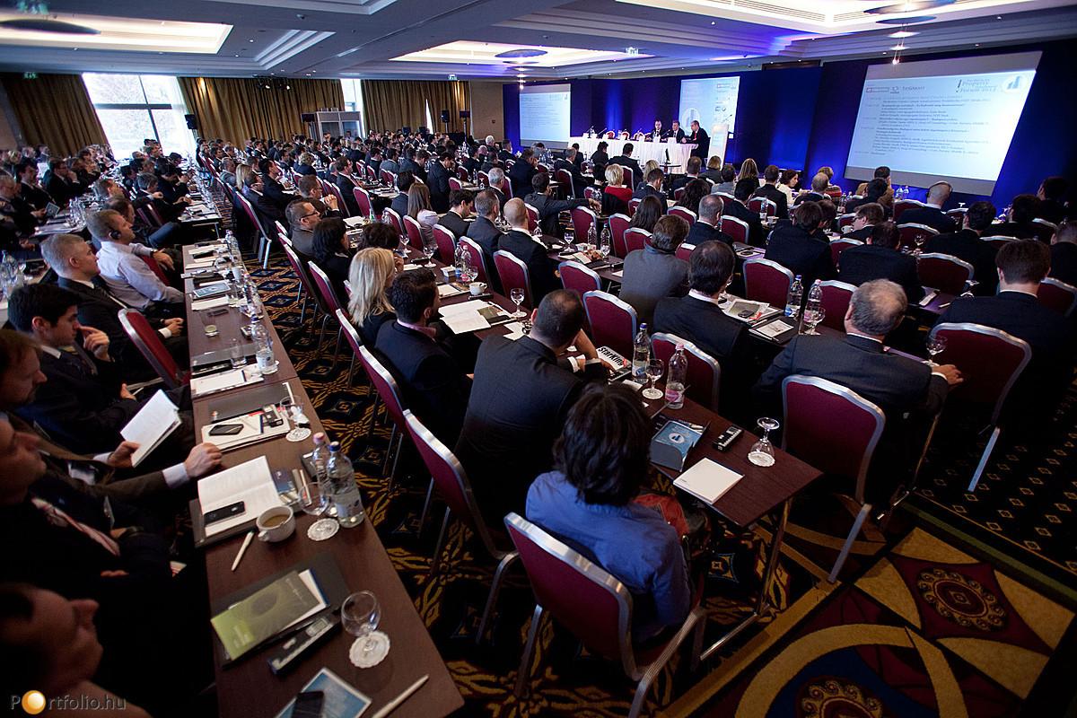 Ezúttal is teltház volt az idén már 8. alkalommal megrendezésre került Portfolio.hu Property Investment Forum 2012-n.