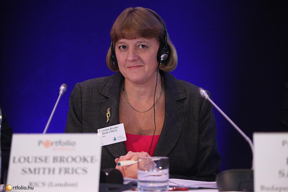 Louise Brooke-Smith FRICS (Senior Vice president, RICS (London) tartotta konferenciánk nyitó előadását, a Globális fejlődési irányokról.