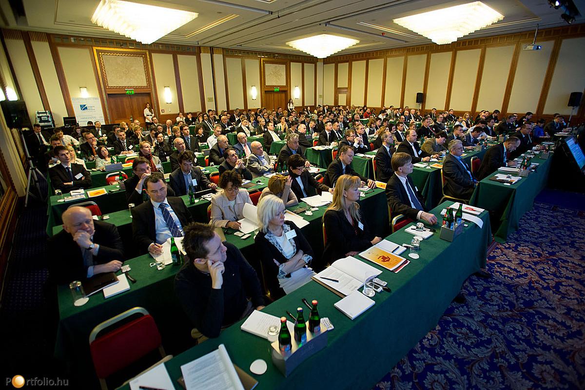 A biztosítási szektor vállalatai számos résztvevővel képviseltették magukat a konferencián.