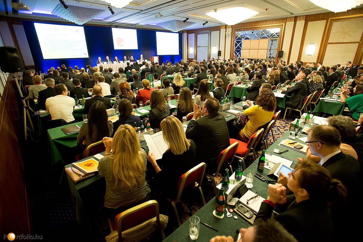 Jövőre közösen áttekinthetjük, hogy mi valósult meg a Portfolio.hu által szervezett 2013-as biztosítási konferencián elhangzott tervekből és célokból.