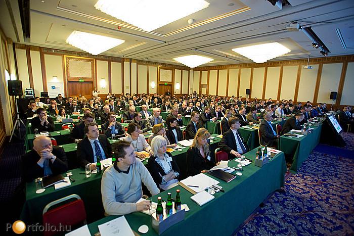 Teltház a Portfolio.hu Biztosítás 2013 című konferencián, mely a Hilton Hotel Budapest (Budai Vár) szállodában került megrendezésre.