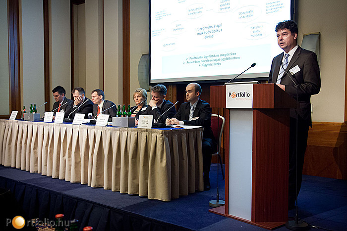 Tarcali Géza (MentorPartner Stratégiai és Vezetési Tanácsadó Kft.) Ügyfélkezelési kihívások a vállalatbiztosítási piacon - Mit gondolnak az ügyfelek? címmel tartott előadást.