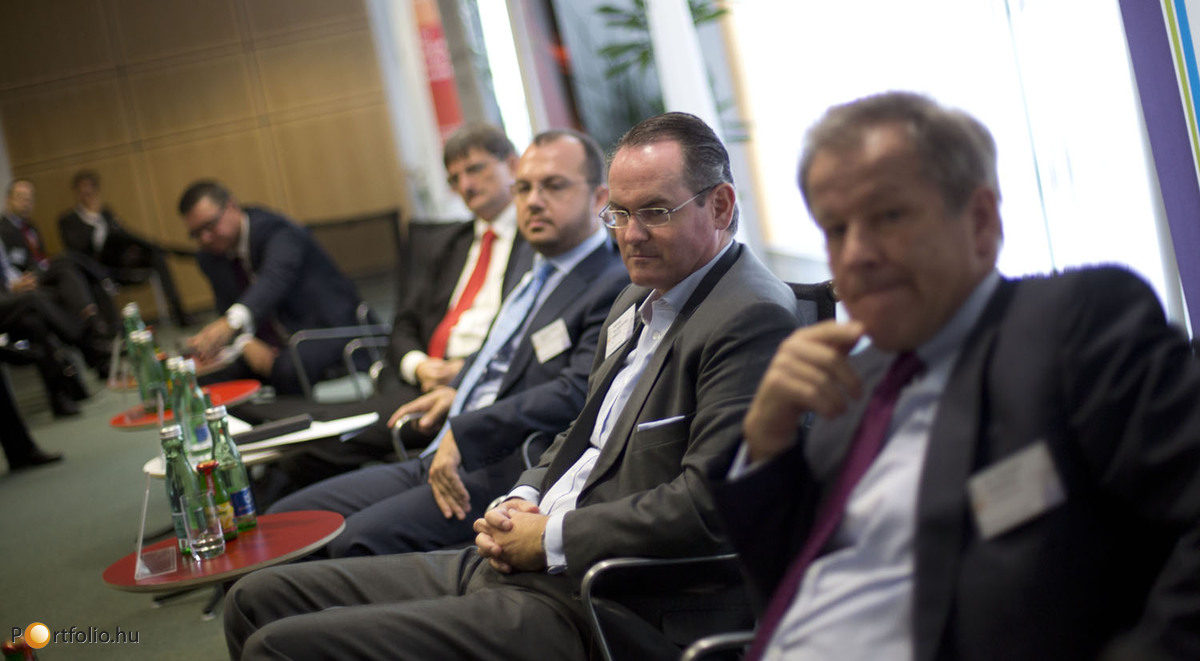 Investment trends in the region (CZ, HU, SK, PL). Dr. Eduard Zehetner (CEO, Immofinanz Group), Herwig Teufelsdorfer MRICS (Managing Director, Head of Southeast Europe, IVG), Ioannis Ganos MRICS (Investment Manager, Chairman, Bluehouse Capital, RICS Hellas