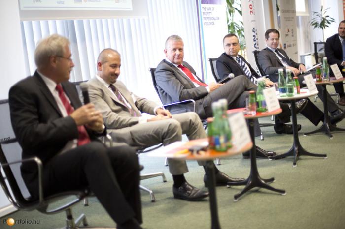 Opportunities in the SEE region - New rising stars? (RO, CRO, SRB, BG, UA). Csanád Csűrös (Chief Analyst, Portfolio), Csongor Csukás MRICS (Managing Director for Czech, Hungary, Romania, BNP Paribas Real Estate), John Verpeleti FRICS (Chairman of the Mana
