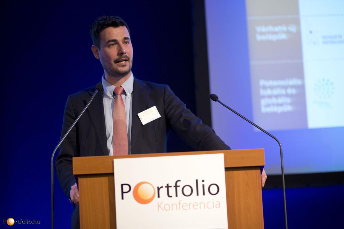 Lemák Gábor, a Magyar Mobiltárca Szövetség főtitkára tart előadást a Portfolio.hu Pénzügyi IT Konferencián. (Fotó: Todoroff Lázár)