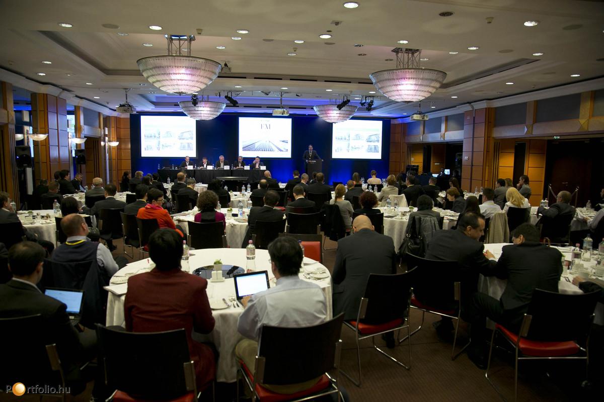 A Portfolio.hu által immár ötödik alkalommal megrendezett Ingatlankezelés és Energiahatékonyság Konferencia az üzemeltetok, property menedzserek, vagyonkezelok, ingatlanos szakemberek elso számú szakmai fórumává vált.