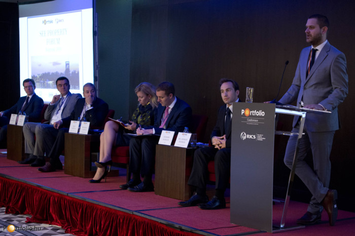 Csanad Csuros (Business Development Director, Portfolio.hu), the host of our Forum.