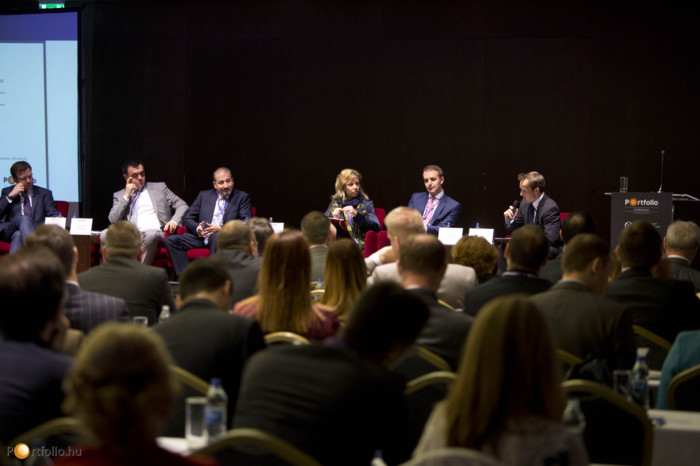 "Investment opportunities in SEE-countries - Bulgaria, Croatia, Serbia and Romania. Participants: Tim O""Sullivan MRICS (Head of Capital Markets SEE, CBRE), Stevan Lojovic (Country Manager, Bluehouse Capital, Serbia), Radu Boitan FRICS (Revetas (Partner, Senior Investment Director), RICS Romania (Chairman)), Michaela Lashova MRICS (CEO and Managing Partner, Forton Bulgaria), Andrew Peirson MRICS (Managing Director - SEE, JLL), and the moderator, Dr. Róbert Hermán MRICS (Acquisitions & Investments Director, Portico Investment)."