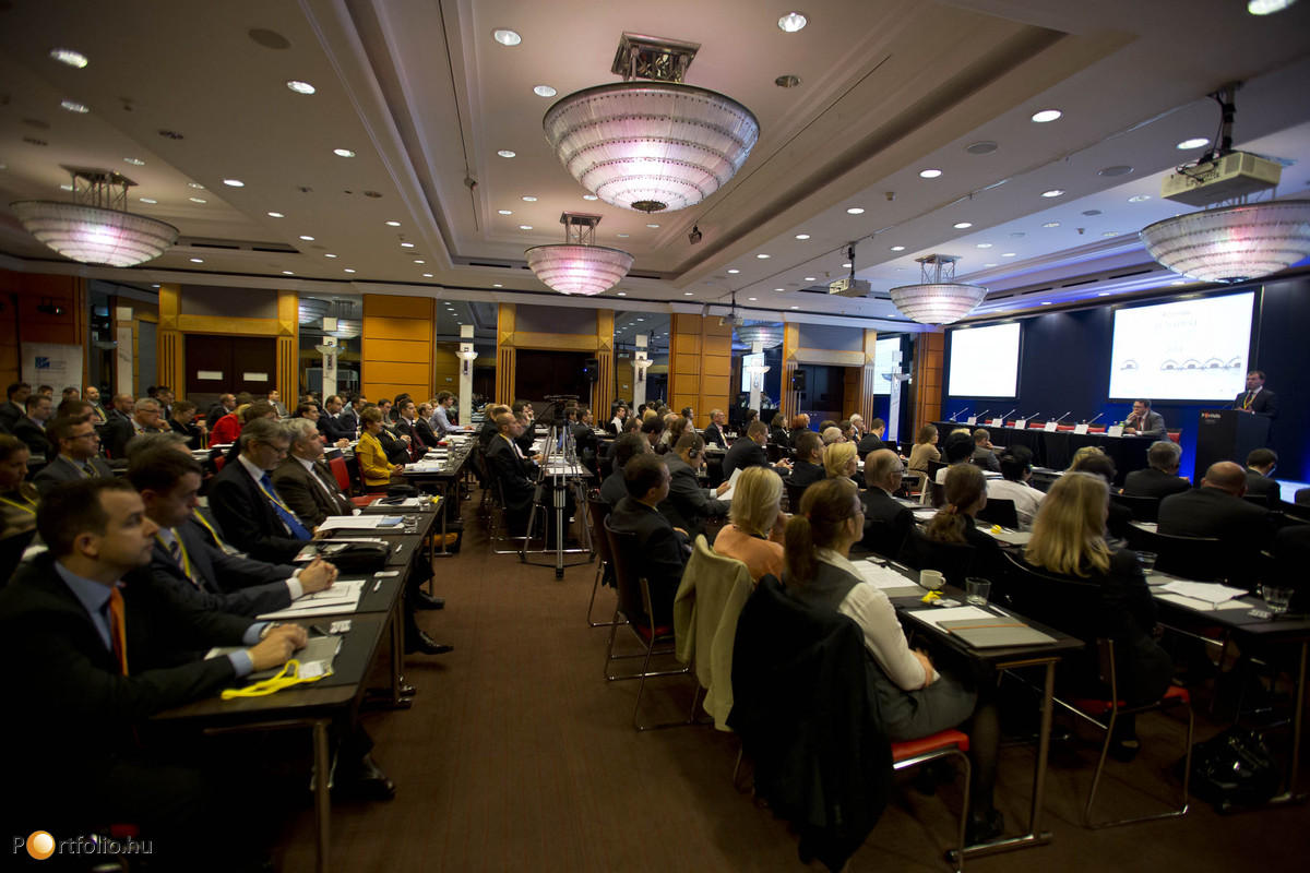 A Budapest Economic Forum-on minden szóba került, ami igazán foglalkoztatja a pénzügyi és a gazdasági szféra képviselőit: növekedés és stabilitás, versenyképesség és tőkevonzás, EU-támogatások és külföldi működőtőke, hitelezés és a bankszektor kilátásai.