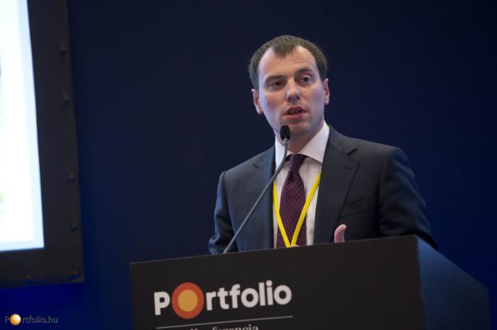 A megnyitót követően Dmitry Polevoy (Chief Economist, Russia & CIS, ING Commercial Banking, Financial Markets) tartott előadást a makrogazdasági és piaci kilátásokról az EEMEA régióban.