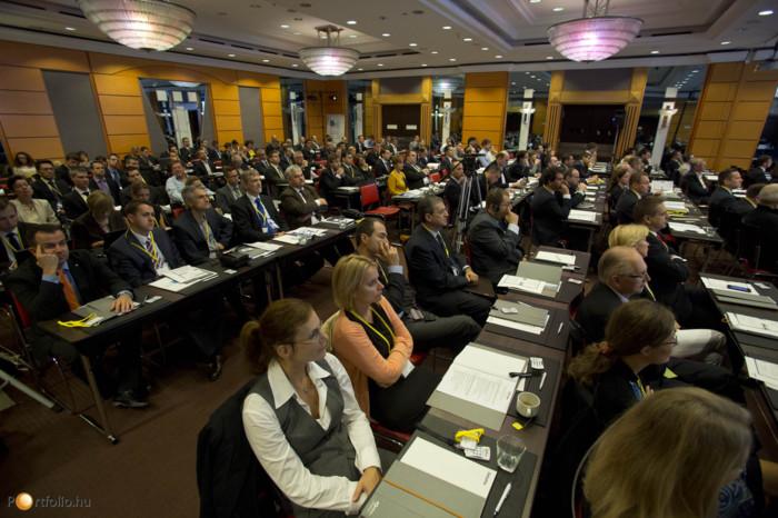 Több mint 200 résztvevővel került megrendezésre a Budapest Economic Forum 2014 a fővárosi Sofitel Hotelben.