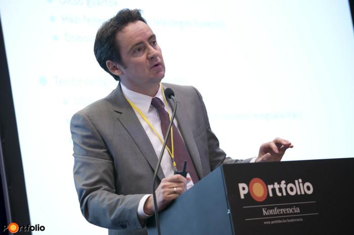 Vér Béla (ügyvezető, ApPello Kft.): Modern banki szoftver = költségoptimalizálás, megtakarítás.