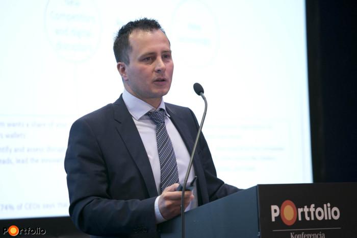 Kókai János (pénzügyi szektor igazgató, BCS): User experience jelentése az üzletnek, és az IT-nak - Az eltérő értelmezések hatása a megvalósításra.
