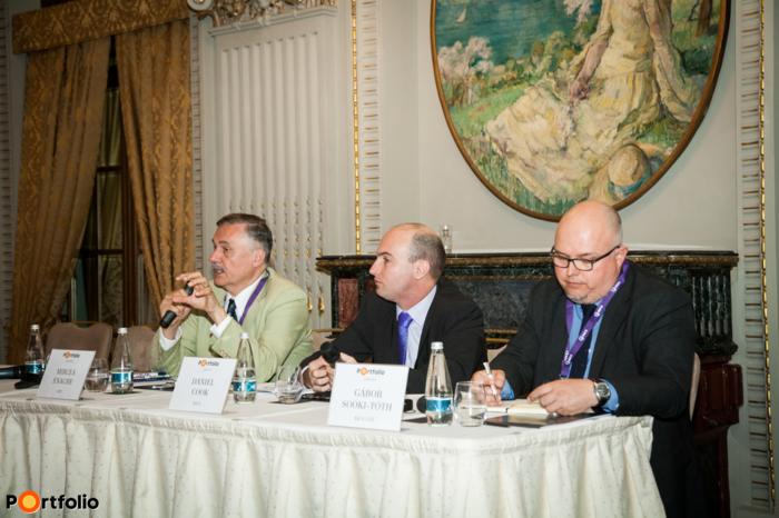 Panel discussion: Future of Cities - Opportunities for the real estate sector. Conversation participants: Mircea Enache (Director, Senior Planner & Information Systems Specialist, CEP), Daniel Cook (Director of Strategy and Planning, RICS) and the moderator, Gábor Soóki-Tóth MRICS (Head of the Planning & Development Professional Group, RICS CEE).