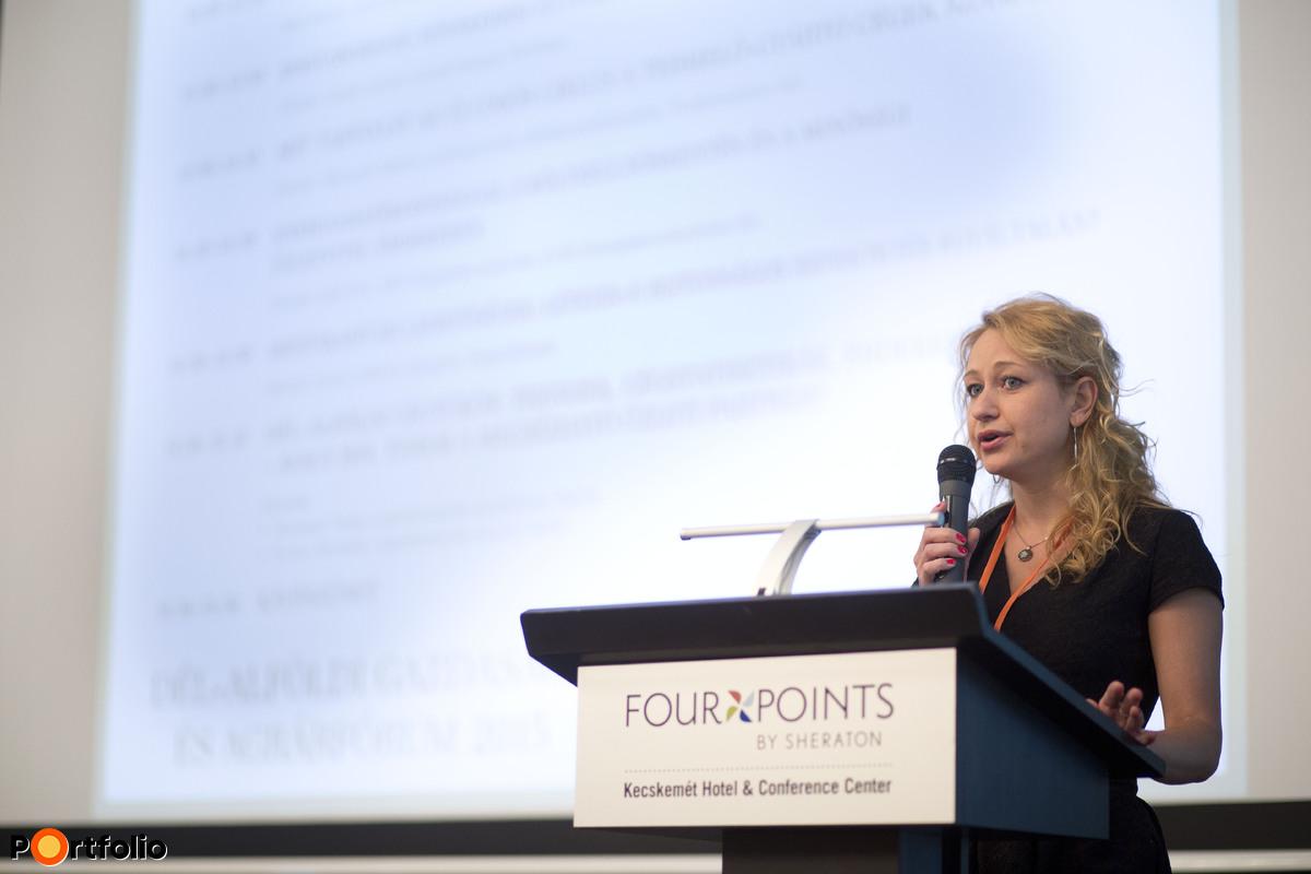 A Dél-alföldi Gazdasági és Agrárfórum moderátora és szakmai szervezője Major Katalin, az agrárszektor.hu elemzője volt. (Fotó: Todoroff Lázár)