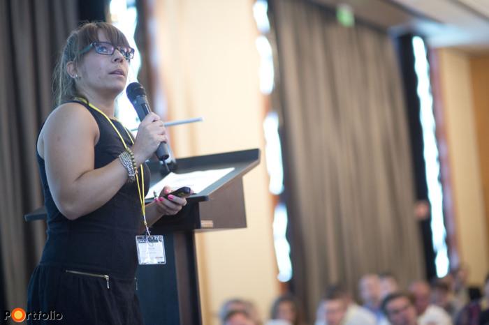 Hitzinger Anna (céginformációs asszisztens, Opten). (Fotó: Todoroff Lázár)