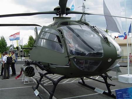 Tom Cruise ezúttal a helikopter kormánya mögött