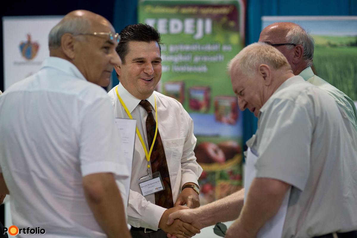 Gazdálkodók, vállalatvezetők, a szakpolitika és a finanszírozói oldal képviselői vettek részt a konferencián, ahol áttekintették a kelet-magyarországi agrárvállalkozások lehetőségeit.