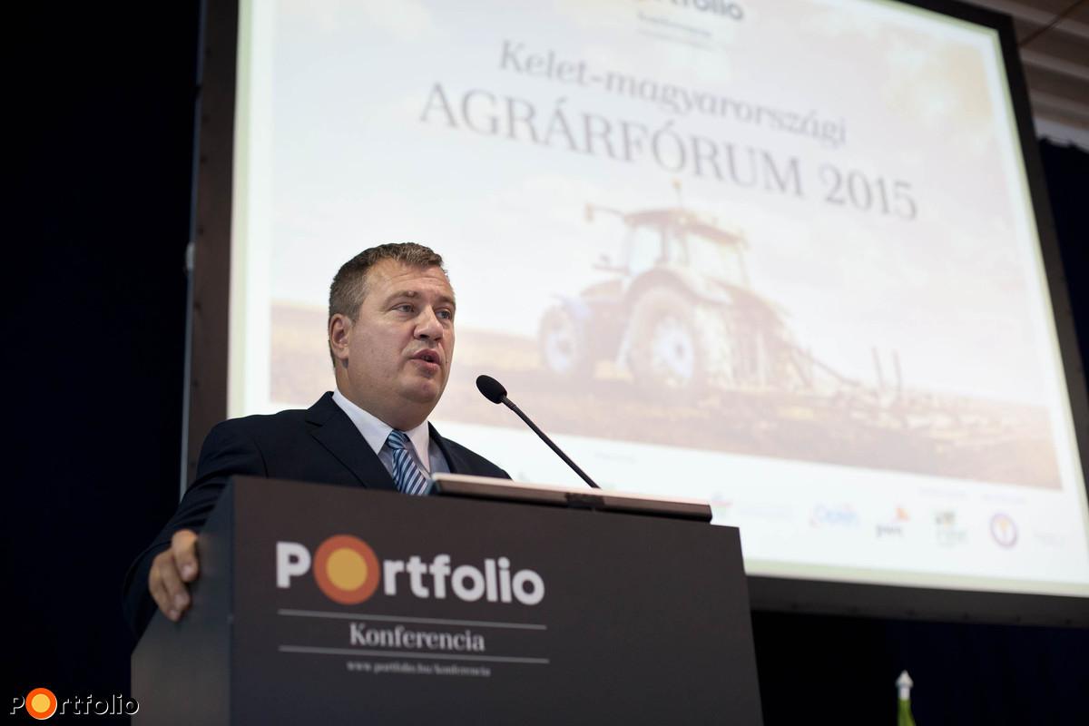 Kiss Attila, Hajdúböszörmény város polgármestere köszöntötte a vendégeket.