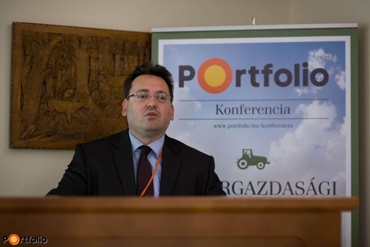 Makrogazdasági helyzetkép - mi vár a magyar gazdaságra és a forintra?: Madár István (vezető elemző, Portfolio). (Fotó: Hurta Hajnalka)