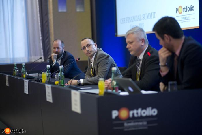 Dr. Balázs Vinnai (General Manager, Misys Digital Channels), Attila Oláh (Managing Director, Esri), Tamás Blummer (Chief Ledger Architect, Digital Asset Holdings) and the moderator Gábor Lemák (Think Tank, FinTech Group).