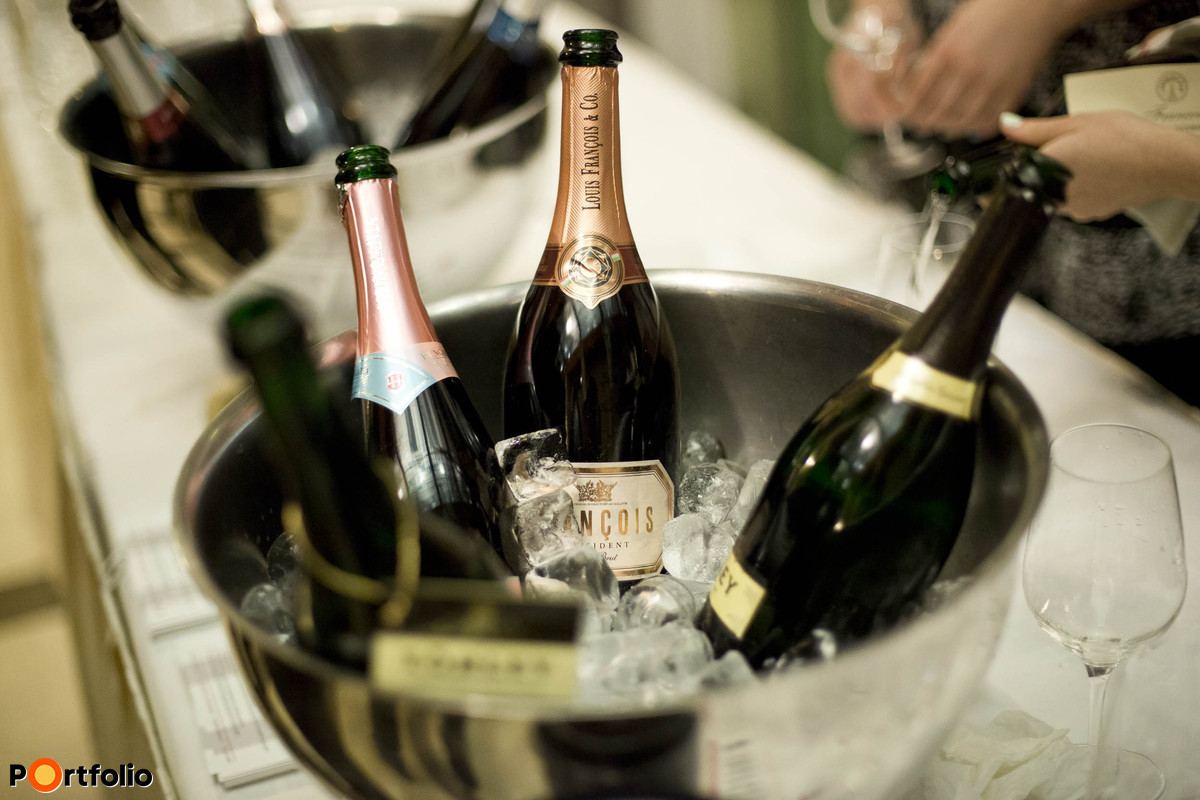 Networking reception - Champagne bar