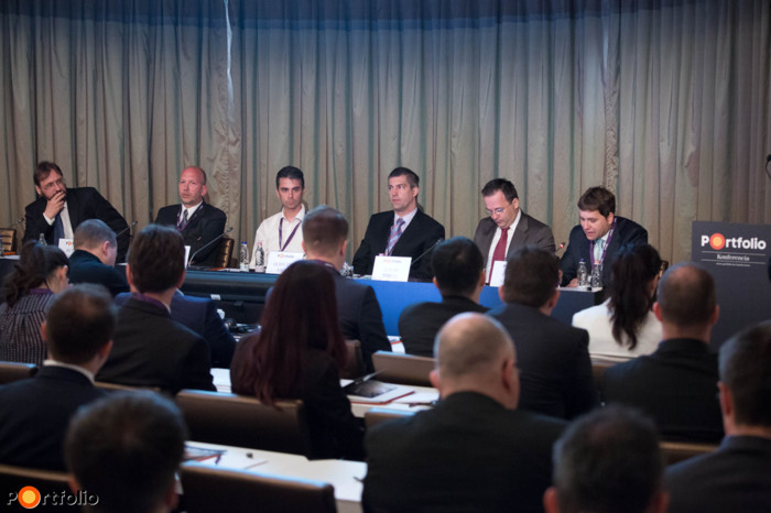 Potential impacts of recent regulation changes (CSOK, VAT-decrease) on the residential market. Participants: Gábor Tokodi (Deputy-CEO, FHB Bank), Gábor Rutai (Chief Analyst, Duna House), Gábor Kiss (Managing Director, Metrodom Kivitelező Kft.), Áron Horváth (Manager, ELTINGA / Lakás Riport), Tibor Földi (CEO, Cordia Magyarország Zrt.) and the moderator, (András Csoma MRICS, Board Member, RICS).