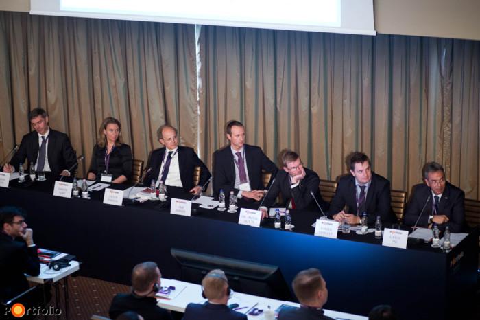 Redefining Quality Assurance in Maturing Markets. Participants: Hamish White MRICS (Head of Asset Management Work Out, RE Asset Management), Nóra Sarlós MRICS (Head of Department, MARK Ltd.), Peter Parson MRICS (Director, CBRE, Valuation & Advisory Services), Adrián Limp MRICS (Director Head of Valuation & Advisory Hungary, Cushman & Wakefield), Dr. István Hajnal FRICS (Project Director, Grant Thornton), Gergely Fábián (Director, Magyar Nemzeti Bank), Pál Dános MAISz, MRICS (Director, KPMG) and the moderator, Maarten Vermeulen FRICS (Managing Director, RICS EMEA, CIS & Russia).