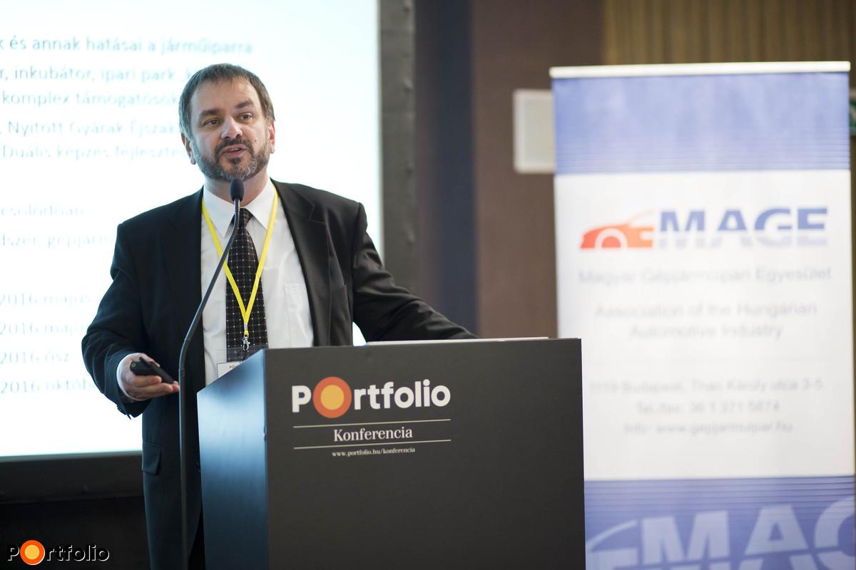 Az ágazat kormányzati támogatása és stratégiai fejlesztési irányok: Pomázi Gyula CMC (Vállalkozásfejlesztési Főosztály, főosztályvezető, NGM).