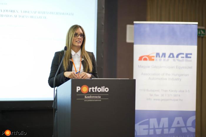 Tóth Kata (konferencia projektvezető, Portfolio), a konferencia szakmai szervezője.