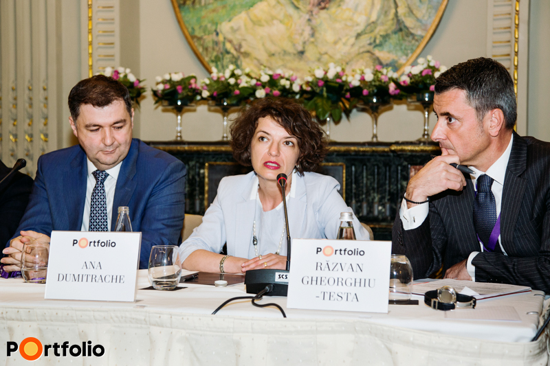Romanian investors' roundtable. Claudius Ferentz (Consultant, Secure Legal Title), Ana Dumitrache (Head of Real Estate Financing Department, Banca Comerciala Romana / A member of Erste Group) and the moderator, Răzvan Gheorghiu-Testa FRICS (Partner, Ţuca Zbârcea & Asociaţii).