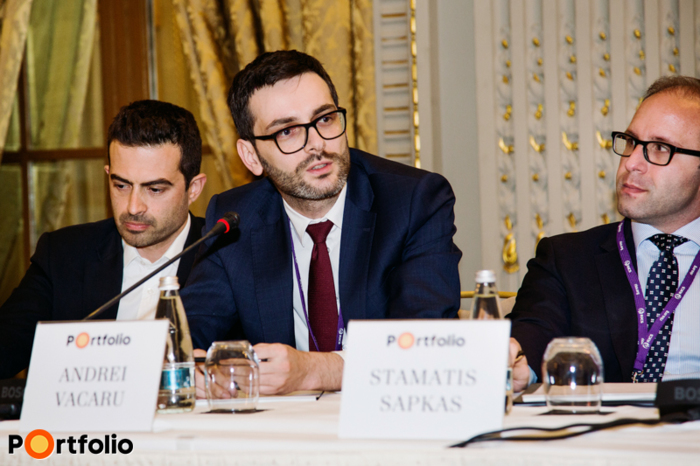 Romanian investors' roundtable. Ioannis Xanthopoulos (Investment Director CEE, Bluehouse Capital), Andrei Vacaru (Capital Markets Consultant & Head of Research, JLL Romania), Stamatis Sapkas (Deputy Chief Investment Officer, Globalworth Real Estate Investments).