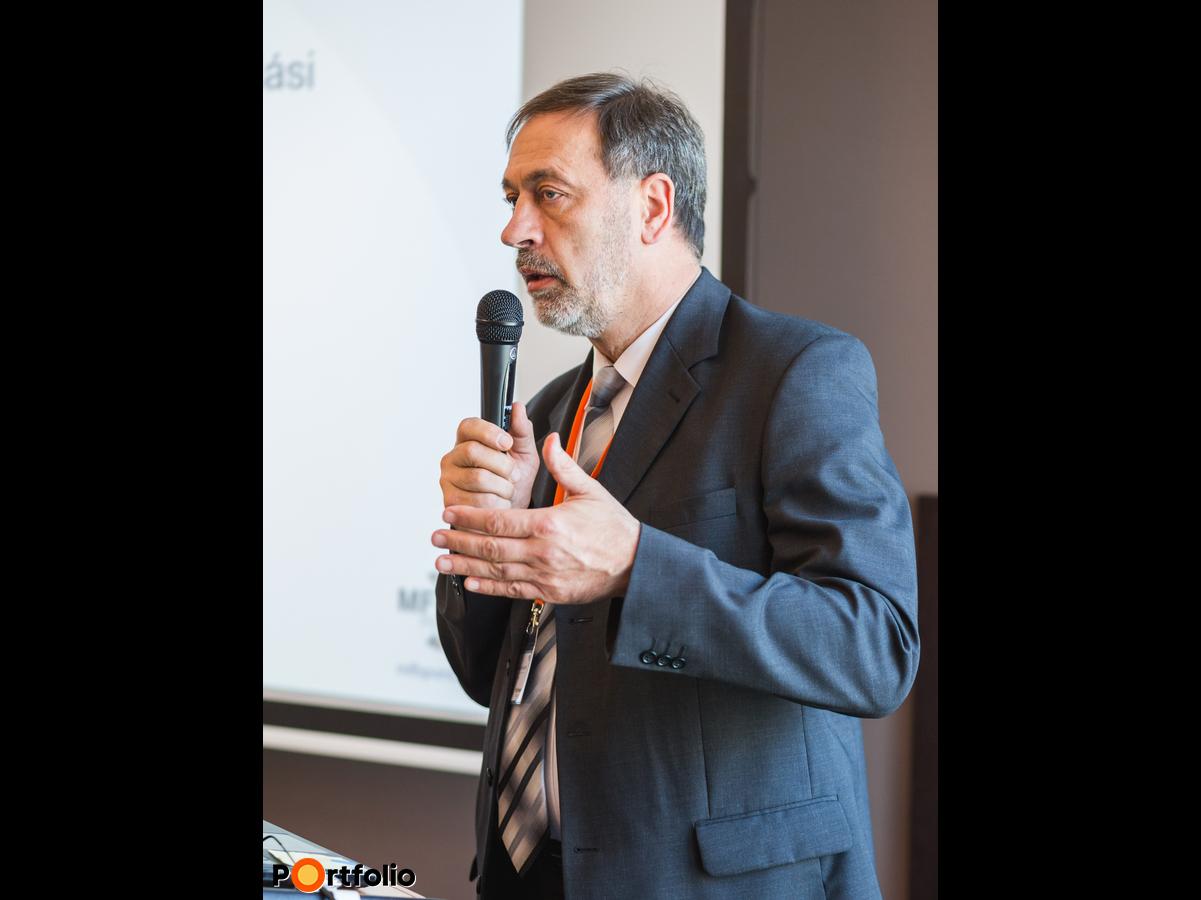 Görög Tibor (elnök - ügyvezető igazgató, Pillér Takarékszövetkezet): Előadás a gyakorlati tapasztalatokról (Fotó: Todoroff Lázár)