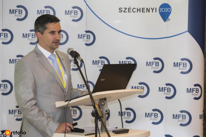 Eőry Gábor, ügyvezető igazgató, Értékesítés-irányítási Igazgatóság, MFB Zrt. előadása: Fókuszban a kkv-k - elindult az MFB Pontok hálózata, elérhető a Mikro-, kkv-versenyképesség növelése hitelprogram (Fotó: Todoroff Lázár)