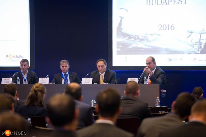 Corporate executive roundtable: Sándor Scheer (CEO, Market), Csaba Mészáros (Chairman - Owner, evopro Holding Zrt.), Péter Lakatos (Co-CEO, Videoton) and the moderator, Zoltán Bán (CEO, Net Média Zrt. (Portfolio))